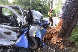Wypadek pod Olsztynem. Kierowca nie żyje.