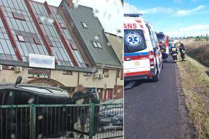 Jedno auto w rowie, kolejne na boku. Policja apeluje: chwila nieuwagi może doprowadzić do tragedii!