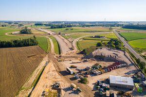 Via Baltica w budowie. Jak idzie praca na budowie jednego z odcinków drogi S61? [VIDEO, ZDJĘCIA]