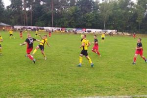 Piłkarze Tęczy Miłomłyn zgrali na piątkę z Orłem Janowiec Kościelny