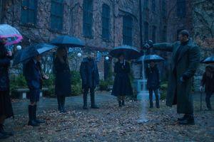 Akademia parasoli, czyli siedmiu wspaniałych [RECENZJA]