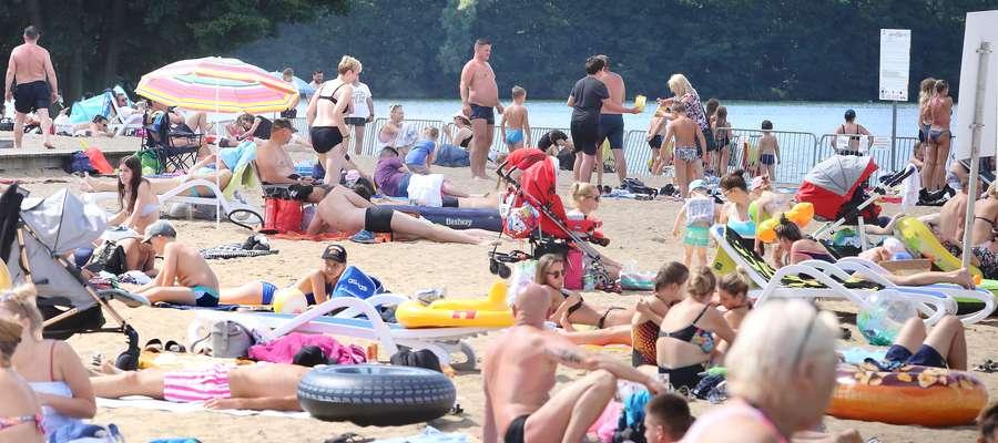 Plaża miejska tłok