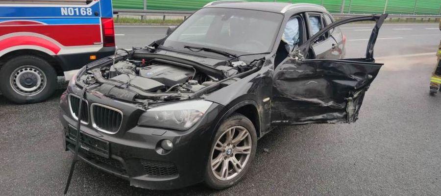 Trzy osoby podróżowały samochodem BMW