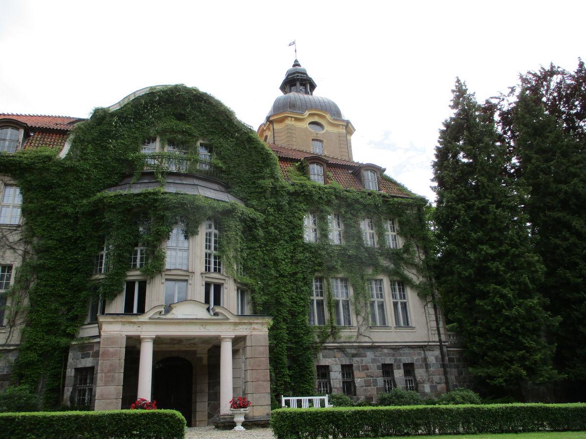 Pałac w Łężanach koło Reszla