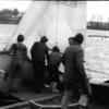 Jak upolować ptaka – to młody żeglarz też musiał wiedzieć... Z kart historii MOS-u [ARCHIWALNE ZDJĘCIA]
