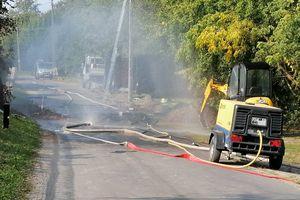 Rozszczelnił się rurociąg gazowy, ewakuowano uczniów szkoły i mieszkańców budynków [ZDJĘCIA]