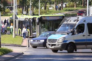 Niebezpieczne znalezisko przy V LO w Olsztynie. Saperzy wzięli sprawy w swoje ręce [ZDJĘCIA, AKTUALIZACJA]