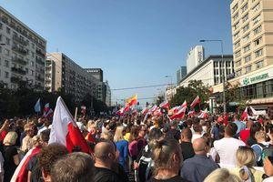 Protestowali przeciwko maseczkom. Kim są olsztyńscy antycovidowcy?