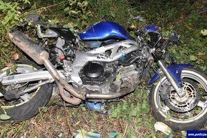 17-latek jadący motocyklem uderzył w drzewo. Zginął na miejscu