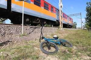 Pociąg potrącił nastolatka. Chłopak w stanie krytycznym trafił do szpitala