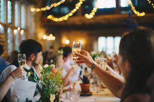 Mniej gości na weselach? Główny Inspektor Sanitarny planuje zdecydowane ograniczenia [SONDA]
