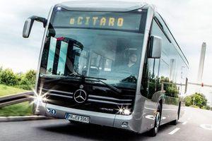 Futurystyczny autobus na olsztyńskich ulicach
