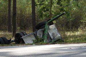 Zderzenie osobówki z samochodem ciężarowym na trasie Pisz - Turośl