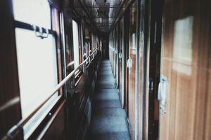 Jechał pociągiem bez maseczki. Musieli interweniować policjanci