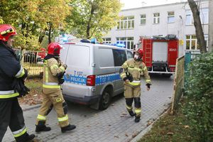 Alarm w kolejnej szkole w Olsztynie. Uczniowie i pracownicy ewakuowani