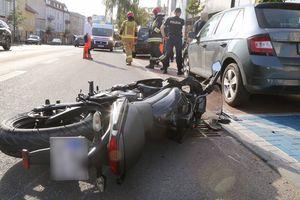 Kolizja na ul. Partyzantów. Kierowca osobówki potrącił motocyklistę [ZDJĘCIA]
