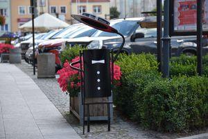 Fikuśne i niebanalne kosze na śmieci zachwyciły mieszkańców miasta i turystów