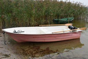 Ukradli łódkę i chcieli ją sprzedać. Ich plany pokrzyżowali policjanci
