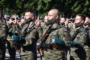 Absolwenci klas wojskowych złożyli przysięgę wojskową