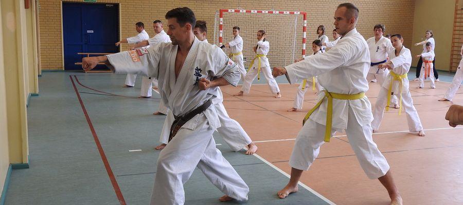 Seminarium w Bisztynku prowadził wicemistrz świata open w karate Maciej Mazur