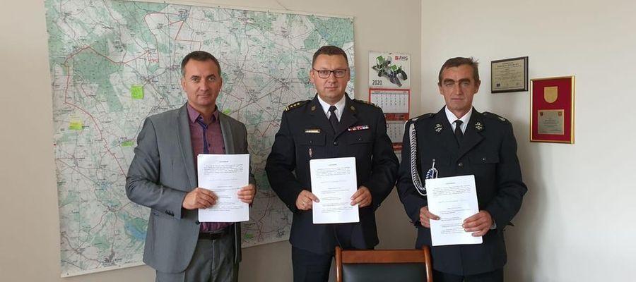 Podpisanie porozumienia w Urzędzie Gminy Dąbrówno