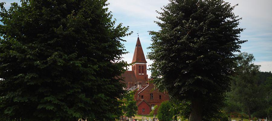 Kościół w Orzechowie (gmina Olsztynek)