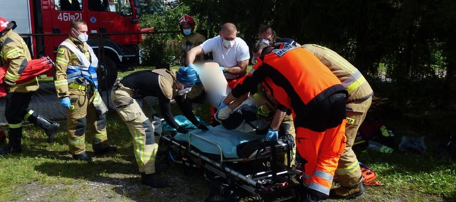 73-letni mieszkaniec Iławy został zabrany do szpitala na obserwację