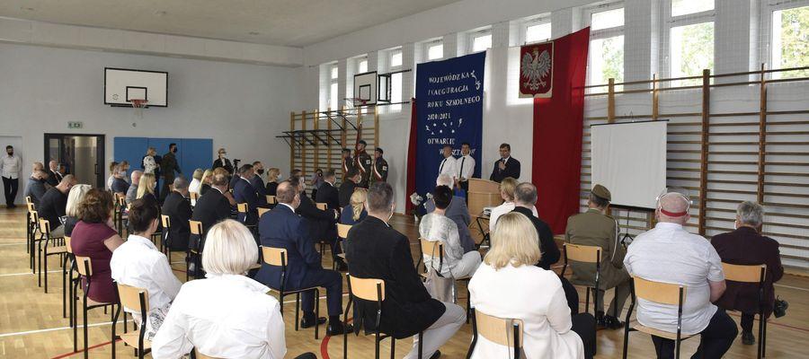 Opis: Wojewódzka Inauguracja roku szkolnego 2020/2021 odbyła się w Zespole Szkół Mechaniczno-Energetycznych w Olsztynie.