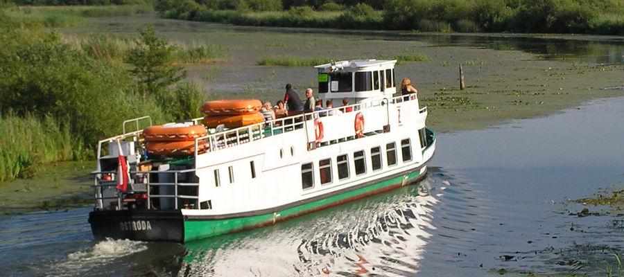 Rejs Kanałem Elbląskim stał się ważnym punktem na wakacyjnej mapie wielu turystów