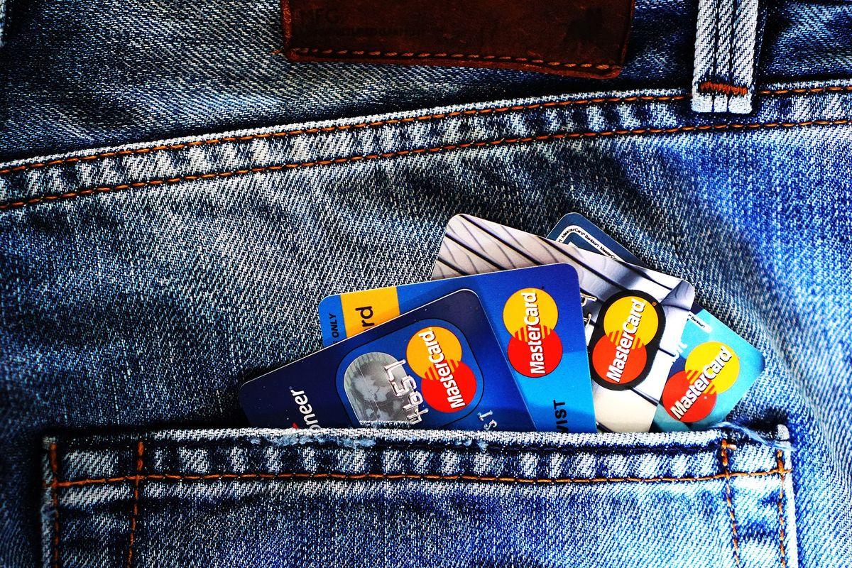 Czy dany kredyt gotówkowy jest opłacalny? Jakie warunki należy spełnić przy staraniach o kredyt? - full image