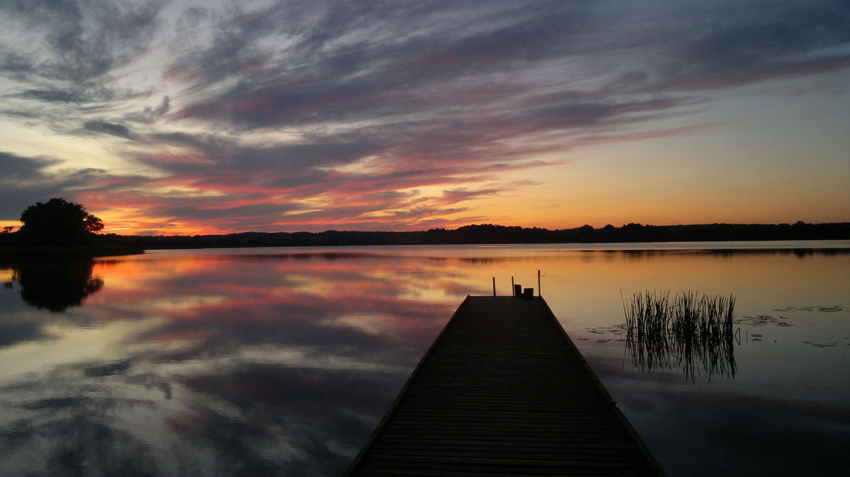 Zachód słońca nad jeziorem Gielądzkim