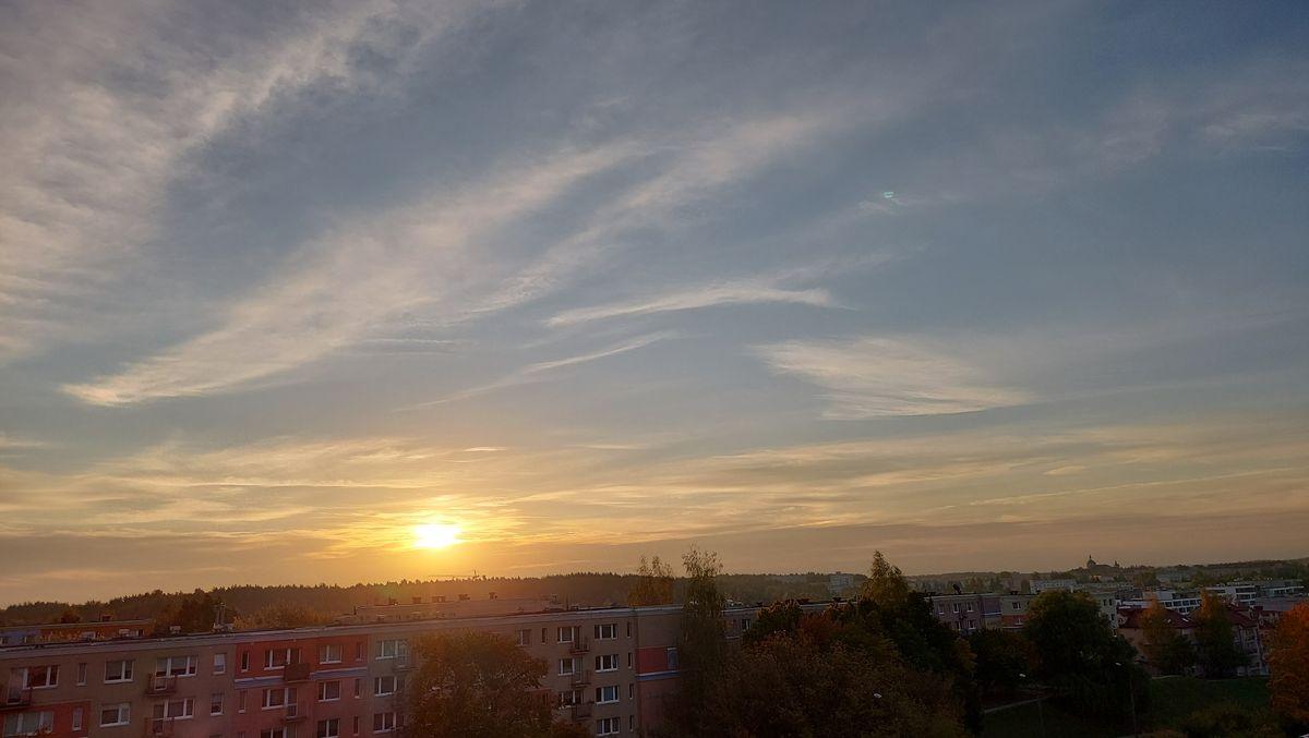 Wschód słońca na olsztyńskich Nagórkach