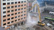 Rozpoczęło się wyburzanie hotelu Gromada w Olsztynie [WIDEO, ZDJĘCIA]