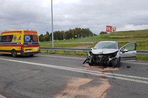 Dwa niebezpieczne zdarzenia drogowe na S7