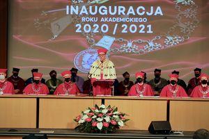 UWM inauguruje rok akademicki. Dzisiaj uroczyste przekazanie władzy w ręce nowego rektora [VIDEO, LIVE]