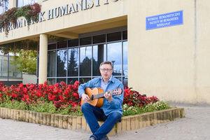 Prof. Andrzej Korytko: Na konferencje jeżdżę z gitarą [ROZMOWA]