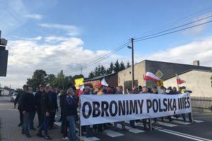 Rolnicy protestują w Sampławie [ZDJĘCIA, VIDEO]