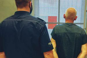 Kolejny poszukiwany, kolejne narkotyki zabezpieczone przez policjantów