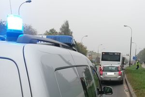 Zderzenie autobusu z osobówką na ul. Wyszyńskiego w Olsztynie [AKTUALIZACJA]