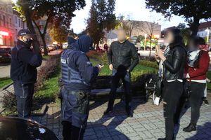 Kilkanaście osób protestowało przeciwko maseczkom. Są wnioski do sądu o ukaranie [GALERIA]