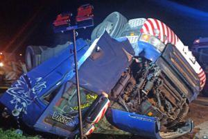 Pod Kalbornią w gminie Dąbrówno zginął 21-letni kierowca ciężarówki