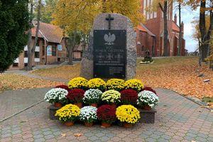 Chryzantemy pod pomniki. Władze Ostródy pomagają producentom