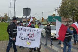 """Rolnicy protestują przeciw """"piątce dla zwierząt"""""""