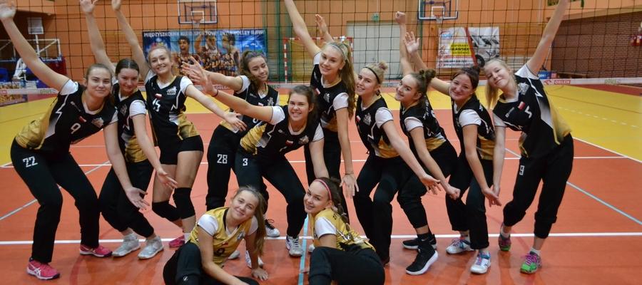 Drużyna juniorek Kris-Bus Zryw-Volley Iława