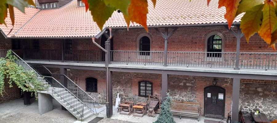 fot. 4 Zamek jesienią