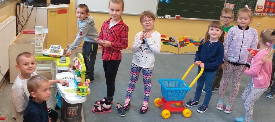 Dzieci uczą sięoszczędzania