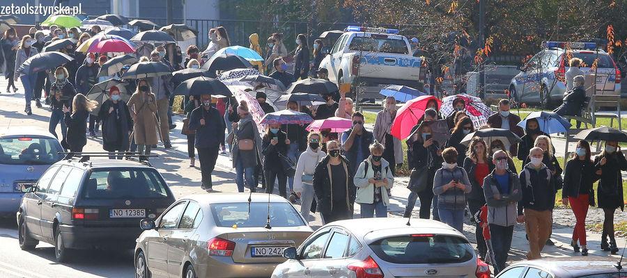Od kilku dni w całym kraju trwają marsze przeciw wyrokowi Trybunału Konstytucyjnego