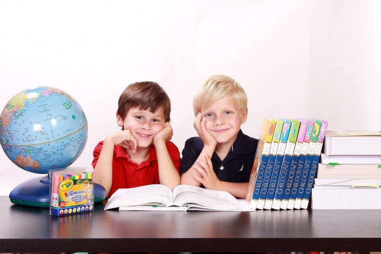 https://m.wm.pl/2020/11/orig/20-10-217-hiszpan-ski-dla-dzieci-czy-to-dobra-inwestycja-w-przyszlos-c-1-657052.jpg