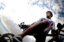 Bielizna termoaktywna na rower i jej unikalne właściwości