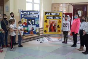 Bezledy: Pamiętają o Świętym Janie Pawle II